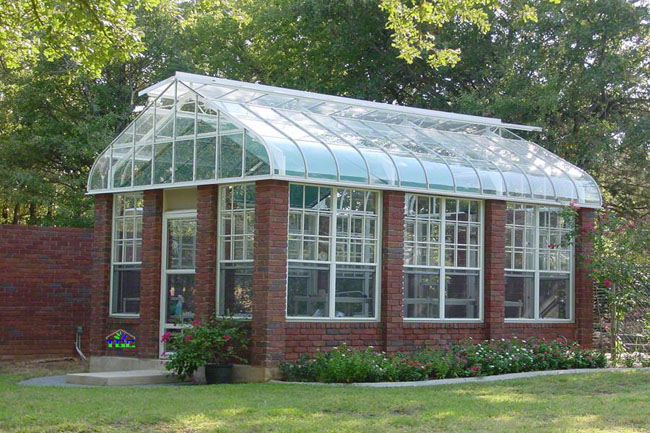 The American Classic Greenhouse
